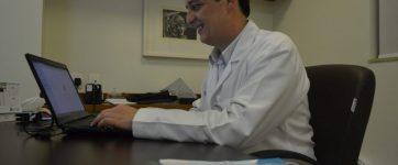 André Filipe Junqueira dos Santos foi premiado por sociedade de oncologia nos Estados Unidos (Foto: LG Rodrigues / G1)