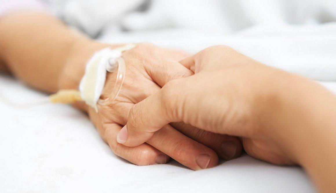 Cuidados paliativos são destinados a todos os pacientes com doenças crônicas como câncer, aids e demências.